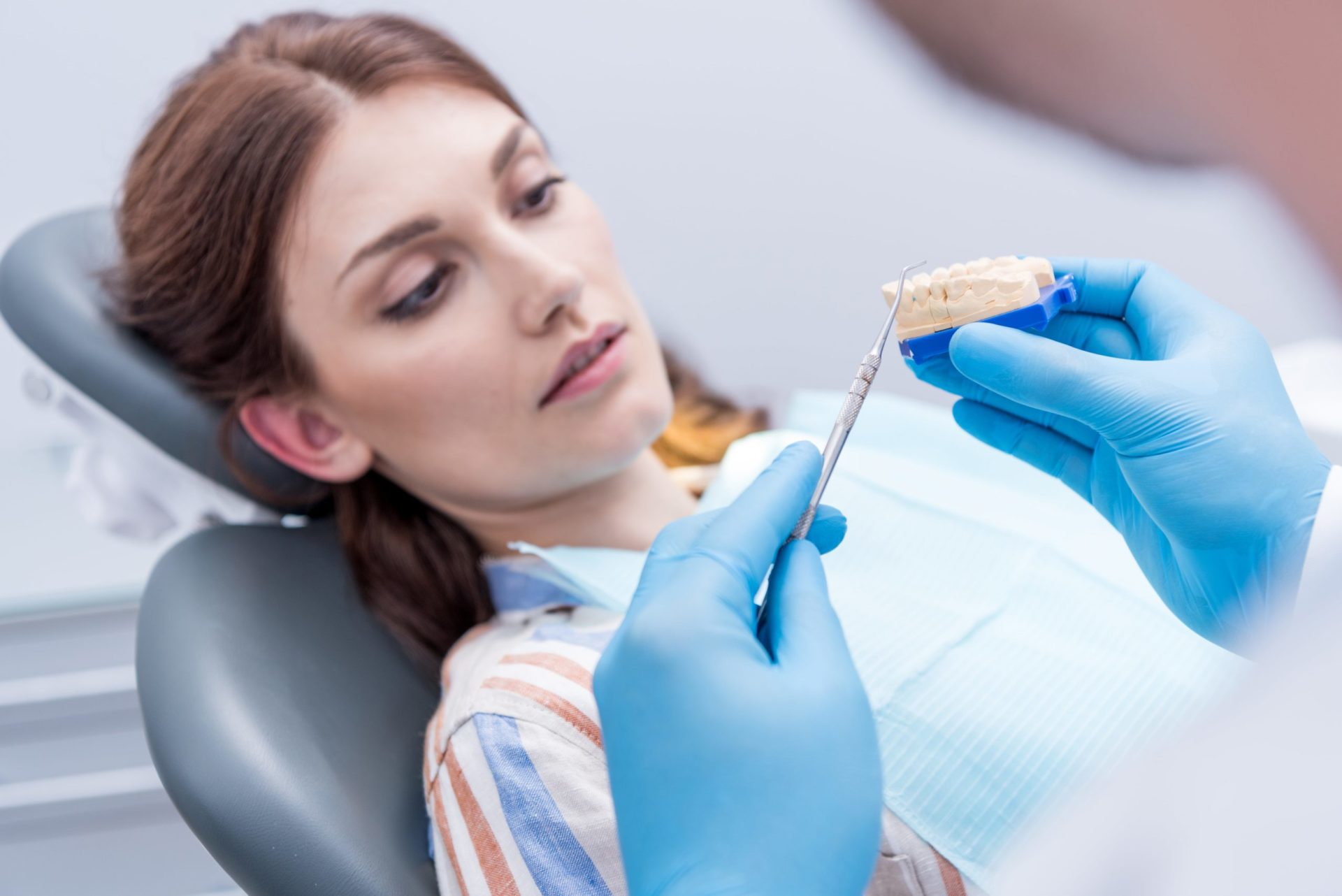 Periodontitis y COVID-19: complicaciones y riesgos asociados