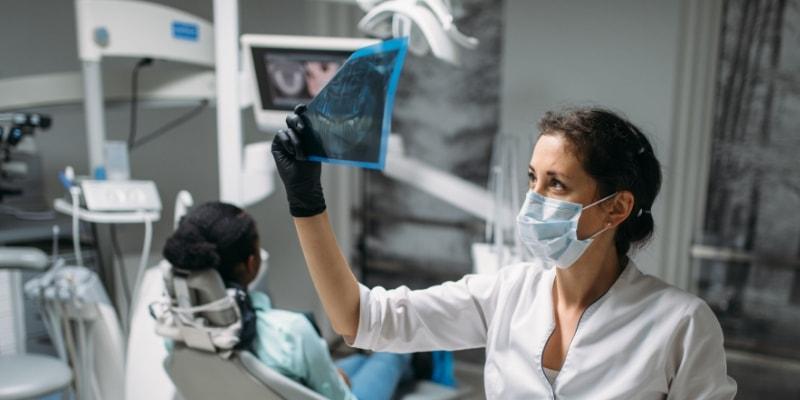Injerto de hueso dental para implantes