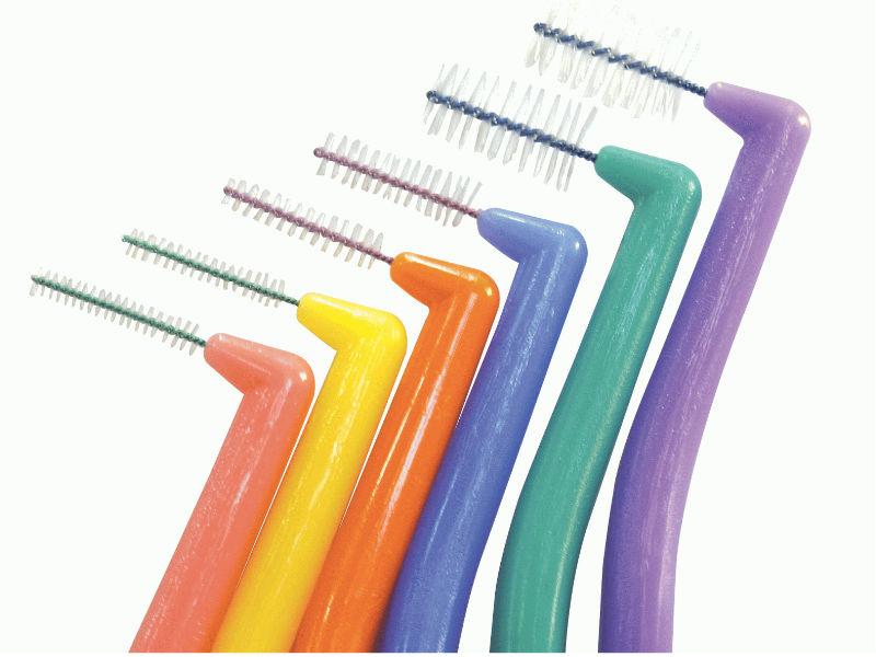 Cepillos interdentales para implantes dentales