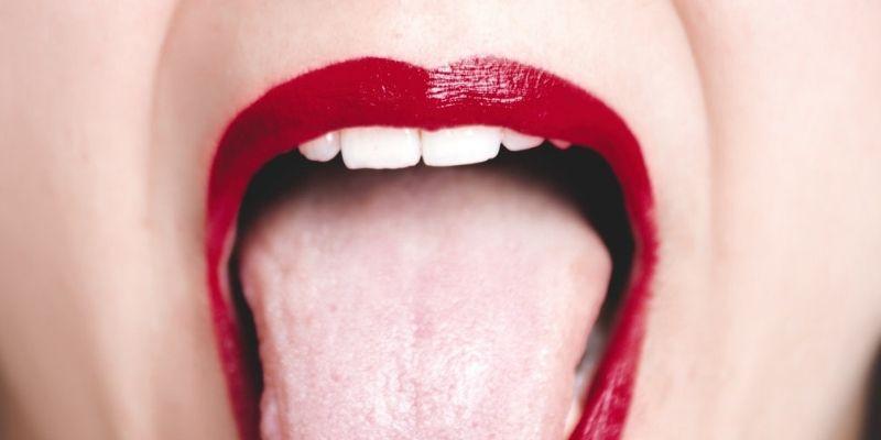 ¿Qué es la lengua blanca o saburra lingual en niños?